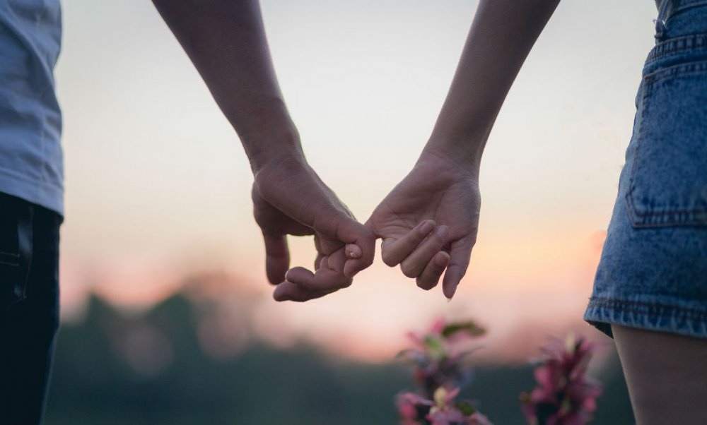hubungan percintaan