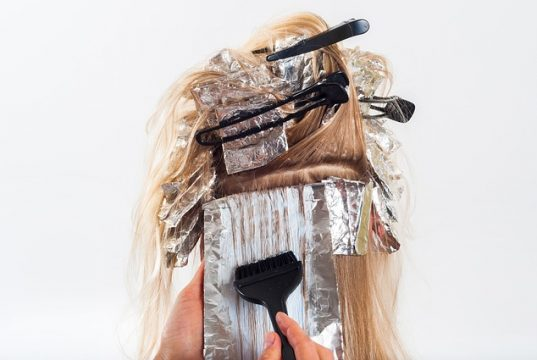cara menghilangkan cat rambut di tangan dengan mudah